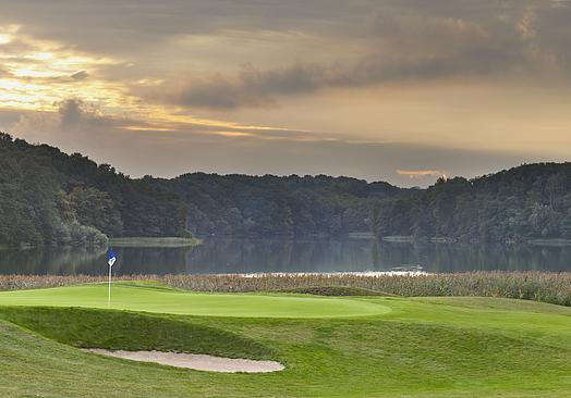 Modry Las Golf Resort   Golf i Polen