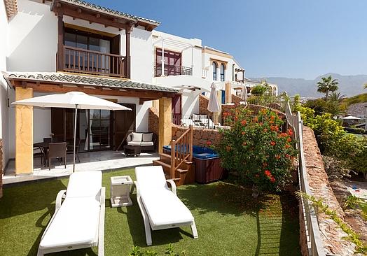 Hotel Suite Villa María | Golf Tenerife | Villa 70 m2 med jacuzzi